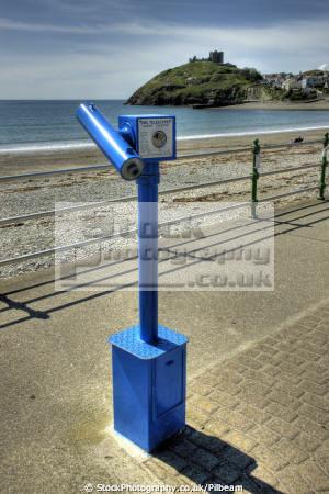 telescope seafront criccieth north wales uk coastline coastal environmental seaside prom castle welsh gwynedd país gales united kingdom british