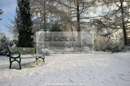 winter time. uk parks gardens environmental bench snow glasgow central scotland scottish scotch scots escocia schottland united kingdom british