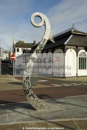 prow sculpture north quay douglas isle man art creative artistic arts manx street vikings tt england english angleterre inghilterra inglaterra united kingdom british