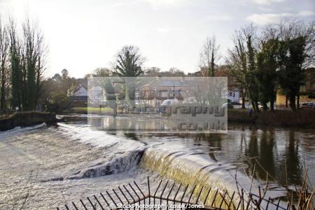 weir river derwent darley abbey near derby uk rivers waterways countryside rural environmental floodplain british britain england midlands derbyshire english angleterre inghilterra inglaterra united kingdom