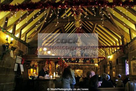 christmas time inside abbey public house darley near derby. houses tavern bar alchohol british architecture architectural buildings pub beer spirits ales free uk britain england midlands derbyshire alcohol alcoholic beverages inn hostelry hospitality derby english angleterre inghilterra inglaterra united kingdom