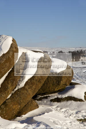 rocks burbage brook grindleford derbyshire countryside rural environmental snow winter peak district england english angleterre inghilterra inglaterra united kingdom british