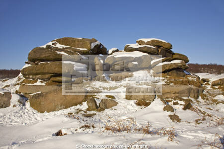 rock formation hathersage derbyshire countryside rural environmental snow winter peak district landscape coutnryside england english angleterre inghilterra inglaterra united kingdom british