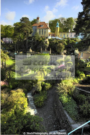 portmeirion central area people british architecture architectural buildings gardens north wales trees decorative gwynedd welsh país gales united kingdom