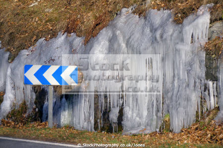 icicles roadside near village correze france french european corrèze river limousin winter wintery ice frozen la francia frankreich