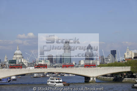 london bridge thames red double decker buses financial district capital background buildings architecture england english city skyline river business cockney angleterre inghilterra inglaterra united kingdom british