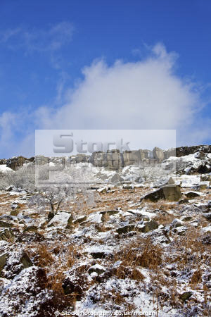 rocks burbage derbyshire countryside rural environmental snow winter peak district england english angleterre inghilterra inglaterra united kingdom british