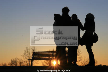 friends sunset friendship buddies pals groups primrose hill people london cockney england english angleterre inghilterra inglaterra united kingdom british