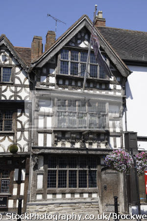 exterior view harvard house.historic house historic househistoric 14th 15th century tudor style wooden timber frame building stratford warwickshire famous william shakespeare half timbered buildings historical uk history british architecture architectural town house tourist attraction beams stratford-on-avon stratford on avon stratfordonavon england english angleterre inghilterra inglaterra united
