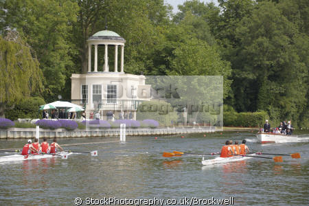 rowing boats race royal henley regatta thames river passing temple island umpire following boat london capital england english row water sport event summer henley-on-thames henley on thames henleyonthames oxfordshire home counties angleterre inghilterra inglaterra united kingdom british