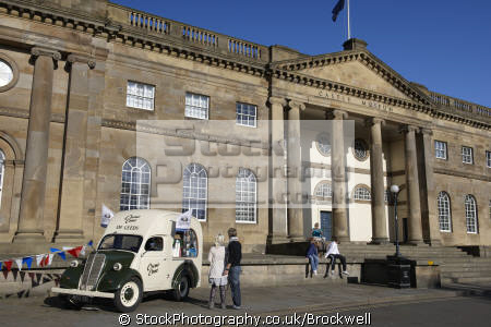 entrance castle museum middle york city old fashioned traditional ice cream van outside. historic building stone showing architecture day tourist attraction uk museums british architectural buildings sight seeing vehicle yorkshire england english angleterre inghilterra inglaterra united kingdom