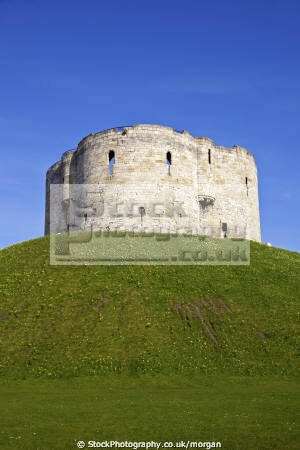 cliffords tower york historical uk buildings history british architecture architectural fortress stone english heritage yorkshire england angleterre inghilterra inglaterra united kingdom