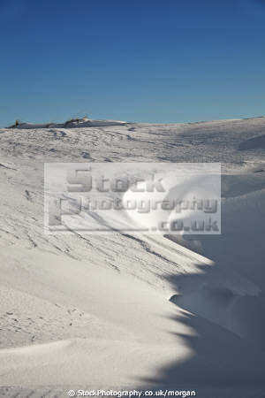 snowdrift winter seasons seasonal environmental snow landscape drift peak district derbyshire england english angleterre inghilterra inglaterra united kingdom british