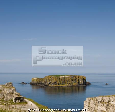 larrybane sheep island uk coastline coastal environmental cliffs sea sky clouds coast county antrim aontroim northern ireland ulster irish irland irlanda united kingdom british