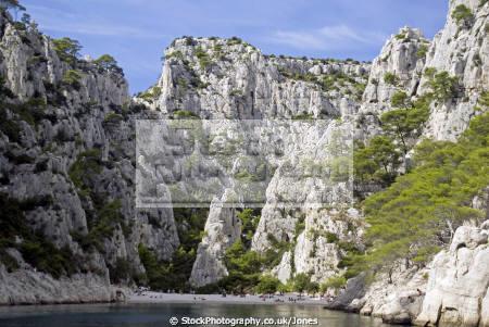 calanque en vau near cassis provence french landscapes european bouches-du-rhône bouches du rhône bouchesdurhône beach sea cliffs paca provence-alpes-côte provence alpes côte provencealpescôte azur france limestone geology la francia frankreich