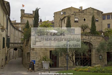 town uzès france french landscapes european mediaeval medieval gard languedoc-roussillon languedoc roussillon languedocroussillon la francia frankreich