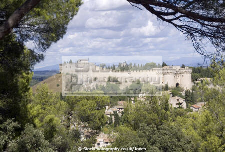 fort saint andré town villeneuve-lès-avignon villeneuve lès avignon villeneuvelèsavignon france french buildings european chateau fortifications ramparts crenellated castle mediaeval medieval gard languedoc-roussillon languedoc roussillon languedocroussillon la francia frankreich