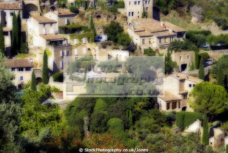 village gordes luberon region provence france french landscapes european mediaeval medieval vaucluse plateau castle chateau alpes te azur paca les plus beaux villages cavaillon la francia frankreich