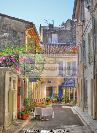 fishing village cassis provence narrow street table cote azur riviera mediterranean south french european bouches du rh ne marina port haven quay boats bateau yacht paca alpes te france bar restaurant bistro la francia frankreich