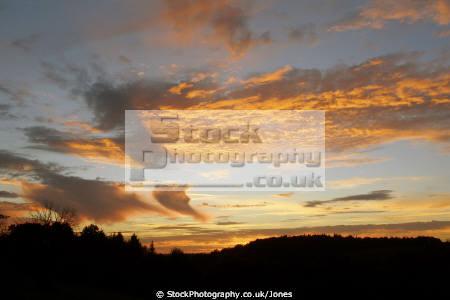 sunset virga shadows clouds sky natural history nature landscape french cumulus meteorology weather skies cloud rain shower precipitation correze limousin france la francia frankreich