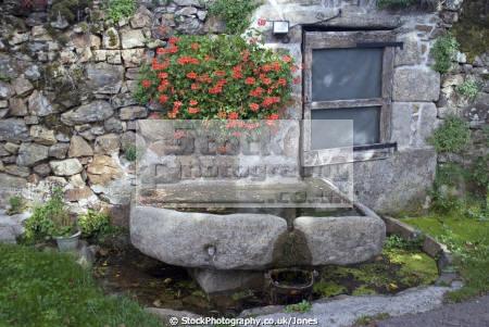 village water trough near tulle southern limousin france french european corrèze correze forest monedieres monédières autumn valley source spring la francia frankreich