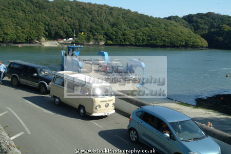 queue cars waiting king harry ferry boats marine floating bridge feock philleigh roseland peninsula river fal falmouth cornwall cornish england english angleterre inghilterra inglaterra united kingdom british