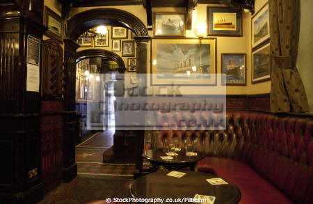 white star pub centre liverpool traditional interior north west northwest england english titanic bar drinking scouse merseyside angleterre inghilterra inglaterra united kingdom british