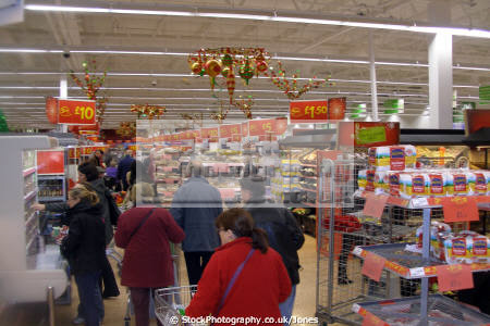 shoppers asda derby run-up run up runup christmas. retailers brands branding uk business commerce supermarket shopping shop retail provisions grocery groceries food gifts presents xmas derbyshire england english angleterre inghilterra inglaterra united kingdom british