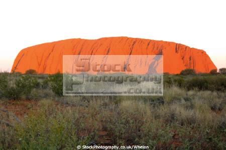 ayres rock sunset australian uluru australia