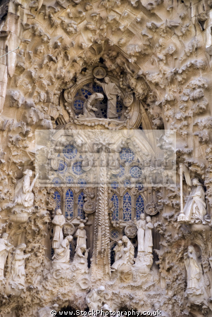 barcelona antoni gaudi sagrada familia nativity facade catalunya catalonia spanish espana european catedral esgl sia church espagne espa towers steeple contruction cranes gothic tico spain spanien la spagna