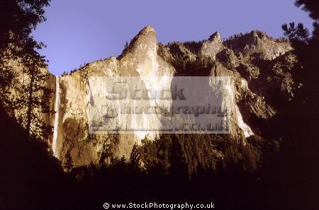 yosemite valley bridalveil falls evening wilderness california mountains alpine national park np waterf californian