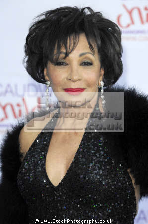 shirley bassey welsh singer brtish 60 singers sixties vocalists musicians celebrities celebrity fame famous star diva mixed race ethnic portraits