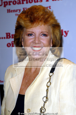 cilla black singer tv presenter liverpool brtish 60 singers sixties vocalists musicians celebrities celebrity fame famous star scouser white caucasian portraits