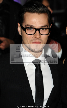 matt willis english singer songwriter band busted boy bands groups pop stars musicians celebrities celebrity fame famous star white caucasian portraits