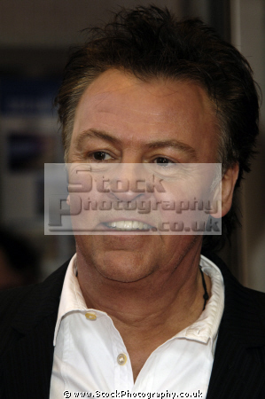 paul young english pop singer q-tips q tips qtips british male singers vocalist stars musicians celebrities celebrity fame famous star white caucasian portraits