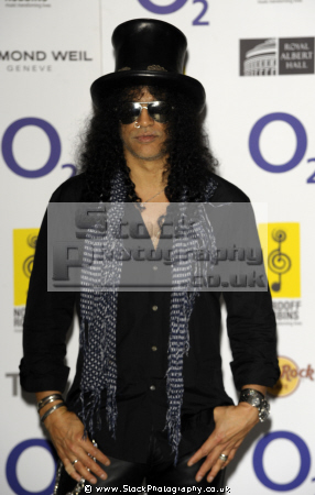 slash british american musician songwriter lead guitarist hard rock band guns roses musicians usa celebrities celebrity fame famous star white caucasian portraits