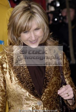 lesley garrett cbe english musician broadcaster media personality classical musicians celebrities celebrity fame famous star white caucasian portraits