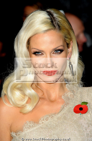 sarah nicole harding english pop singer group girls aloud british girl bands groups female singers divas stars musicians celebrities celebrity fame famous star white caucasian portraits