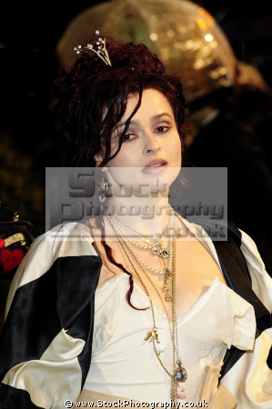 helena bonham carter english actress domestic partner director tim burton movie actresses film england female thespian acting celebrities celebrity fame famous star females white caucasian portraits