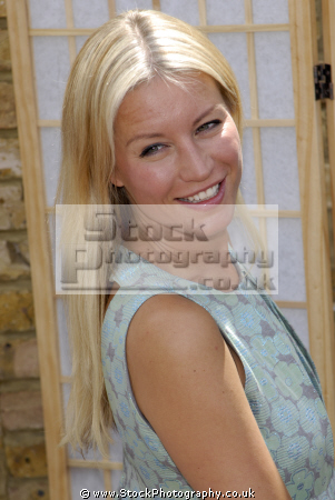 denise van outen english actress singer television presenter big breakfast actresses england female thespian acting celebrities celebrity fame famous star females white caucasian portraits