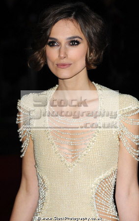 keira christina knightley english film actress model bend like beckham pirates caribbean movie actresses england female thespian acting celebrities celebrity fame famous star chanel females white caucasian portraits