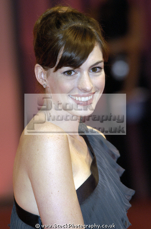 anne hathaway american actress nominated academy award best actresses usa female thespian acting celebrities celebrity fame famous star females white caucasian portraits