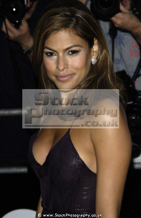 eva mendes american actress model actresses usa female thespian acting celebrities celebrity fame famous star sexy females white caucasian portraits