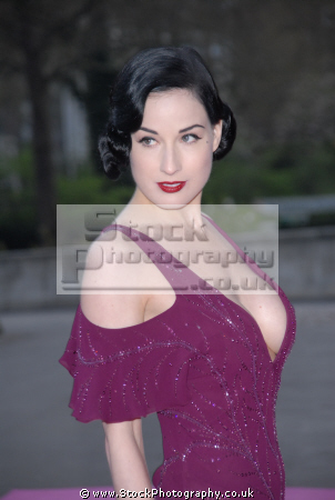 dita von teese american burlesque artist model actress dancers performers celebrities celebrity fame famous star white caucasian portraits