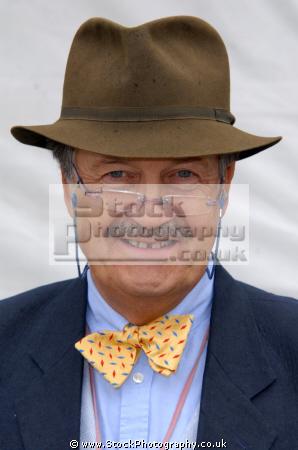 tim wonnacott english antiques expert television presenter bargain hunt british tv experts presenters celebrities celebrity fame famous star white caucasian portraits