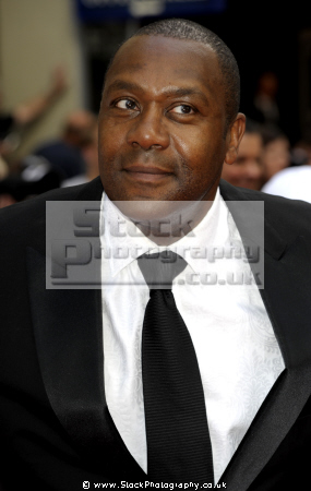 lenny henry english comedian actor married dawn french comedians comedic funny laughter humour humor performers celebrities celebrity fame famous star negroes black ethnic portraits