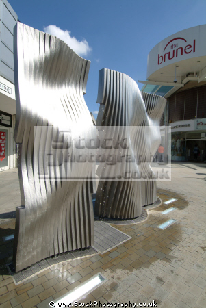corporate art plaza brunel shopping centre swindon arts wiltshire wilts england english angleterre inghilterra inglaterra united kingdom british