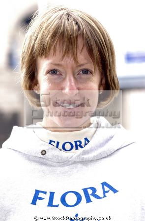 deena kastor 2006 london womens marathon winner. sport sporting celebrities celebrity fame famous star males white caucasian portraits