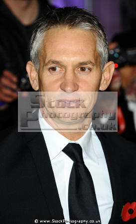 gary lineker obe english footballer sports broadcaster bbc football players footballers soccer sport sporting celebrities celebrity fame famous star males white caucasian portraits