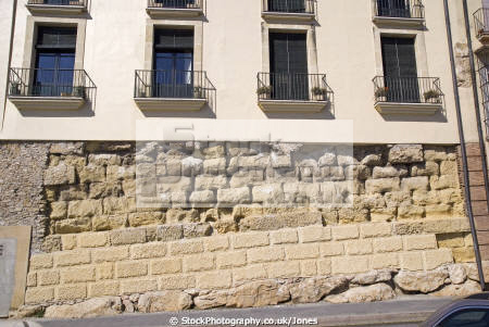 spanish city tarragona remnants old walls providing foundation apartments costa dorada mediterranean catalunya catalonia espana european espagne espa anfiteatro romano archeology ruins excavation daurada durada brava spain spanien la spagna